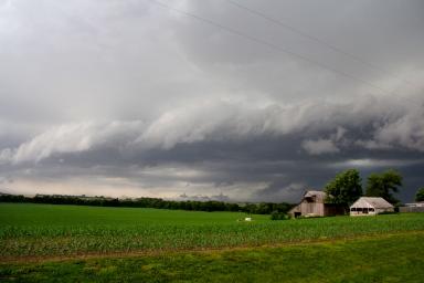 A severe thunderstorm approaching in Nebraska